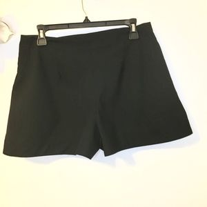 Zara Size Large Pocket Mini Short Skirt  Slim Look